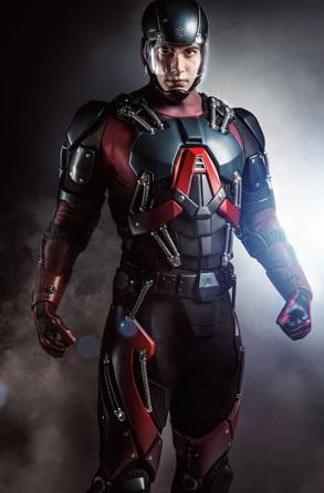 Brandon Routh در نقش ری پالمر و در لباس اتم