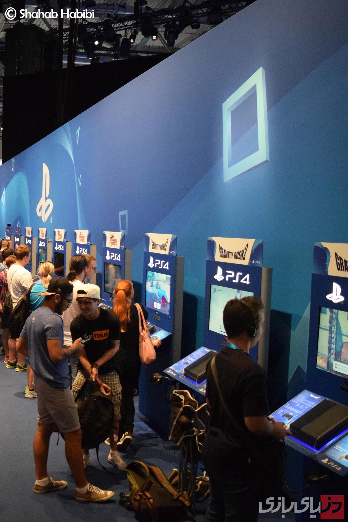 PS4 هم با ارائه نسخه دوم بازی Gravity Falls ، حسابی مورد استقبال شرکت کننده ها قرار گرفته بود. بازی که در نوع خود، اولین است و کاربر را در فضایی قرار می دهد، که می تواند مطابق خواسته خود، جهت جاذبه را کنترل کند. یک تجربه زیبا، به خصوص وقتی با VR هم همراه شود.