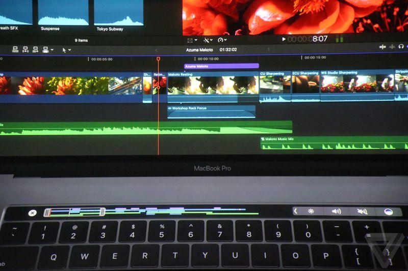 زمانیکه میخواهید از Final Cut Pro استفاده کنید، طول کل ویدیوی مورد نظر را میتوانید در نوار لمسی مشاهده کنید و با دقت و ظرافت تمام کار را پیش ببرید.