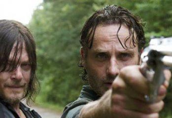 بازیگر سریال Walking Dead به عنوان کارگردان به سریال باز خواهد گشت