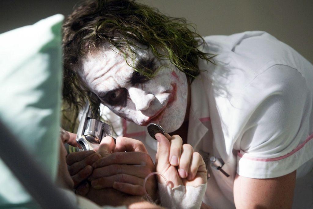 معرفی ۱۷ فیلم قبل از تماشای Joker- شوالیه تاریکی